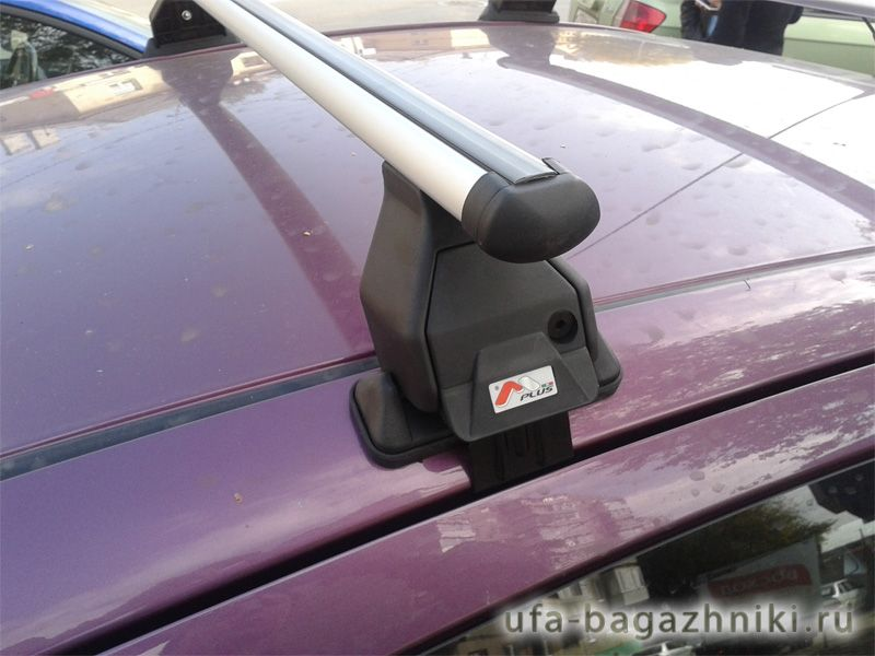 Багажник на крышу Peugeot 107, Menabo Tema, алюминиевые аэродинамические дуги